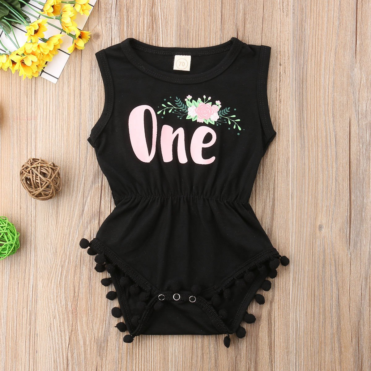 e907b0652fb Amazon.com  ONE S New Baby Girls Summer Floral First Birthday Bodysuit Romper  Outfits  Clothing