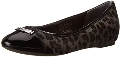 Rockport Women's Total Motion 20mm Cap Toe Skimmer w/ Medallion Grey  Leopard Flat 6.5 W