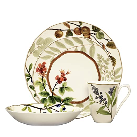 Christmas Tablescape Decor - Berries and Brambles 4-Piece Place Setting - Service for 1 by Noritake