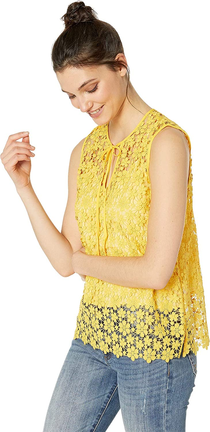 843c2916ec9f0 Amazon.com  Juicy Couture Women s Lydia Guipure Lace Sleeveless Top   Clothing