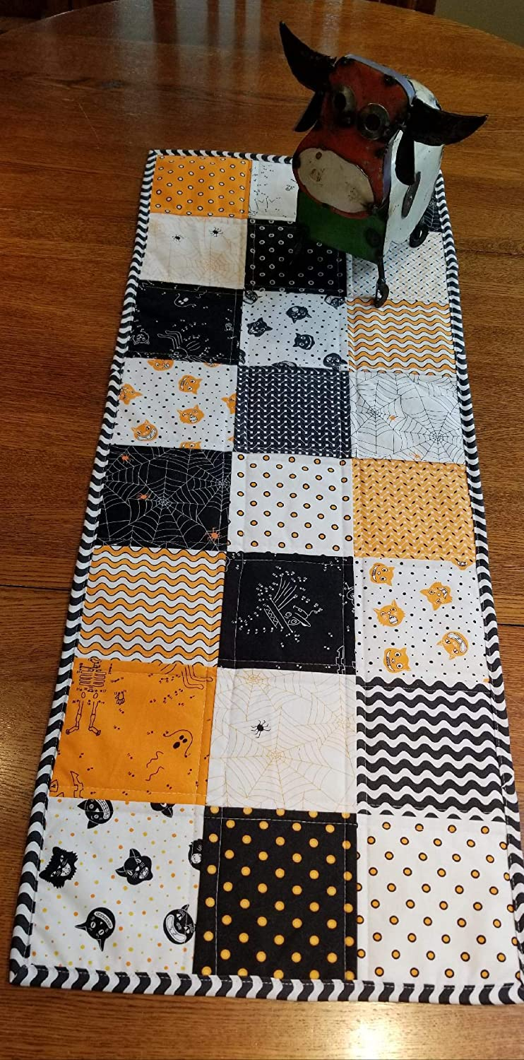 Dot Dot Boo! Quilted Halloween Table Runner - and Free Shipping!