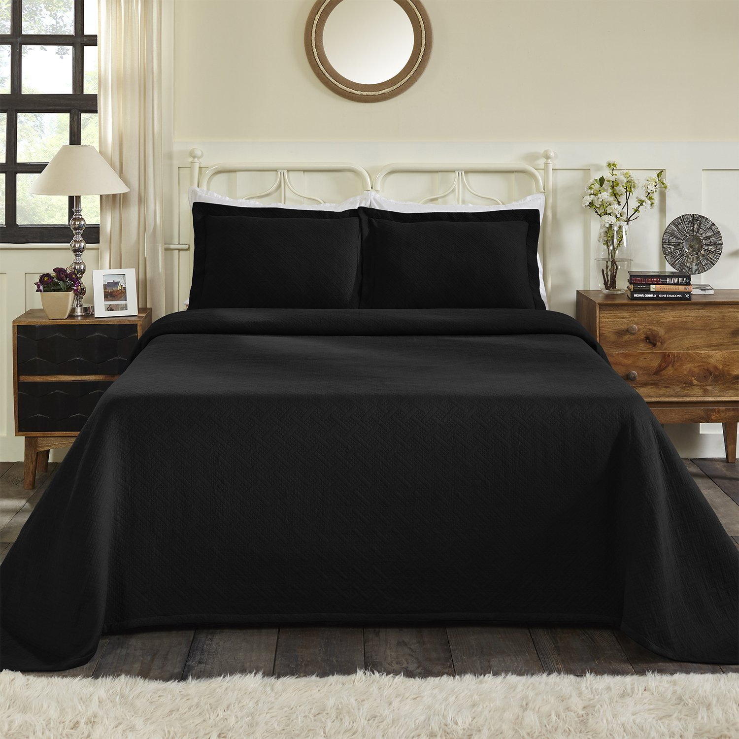 Blue Nile Mills 100% Cotton Basket Matelasse King Bedspread, Black
