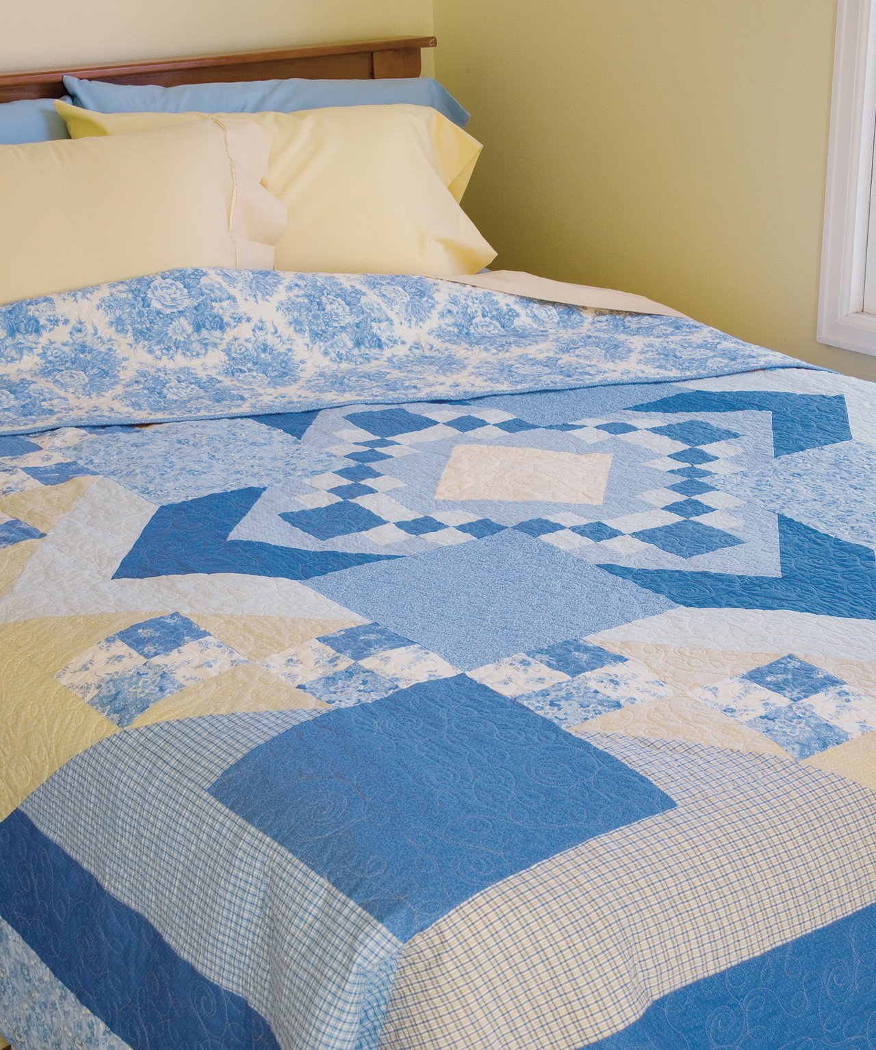 Easy Quilts for Beginners and Beyond: 14 Quilt Patterns from Quiltmaker Magazine by That Patchwork Place (Image #21)