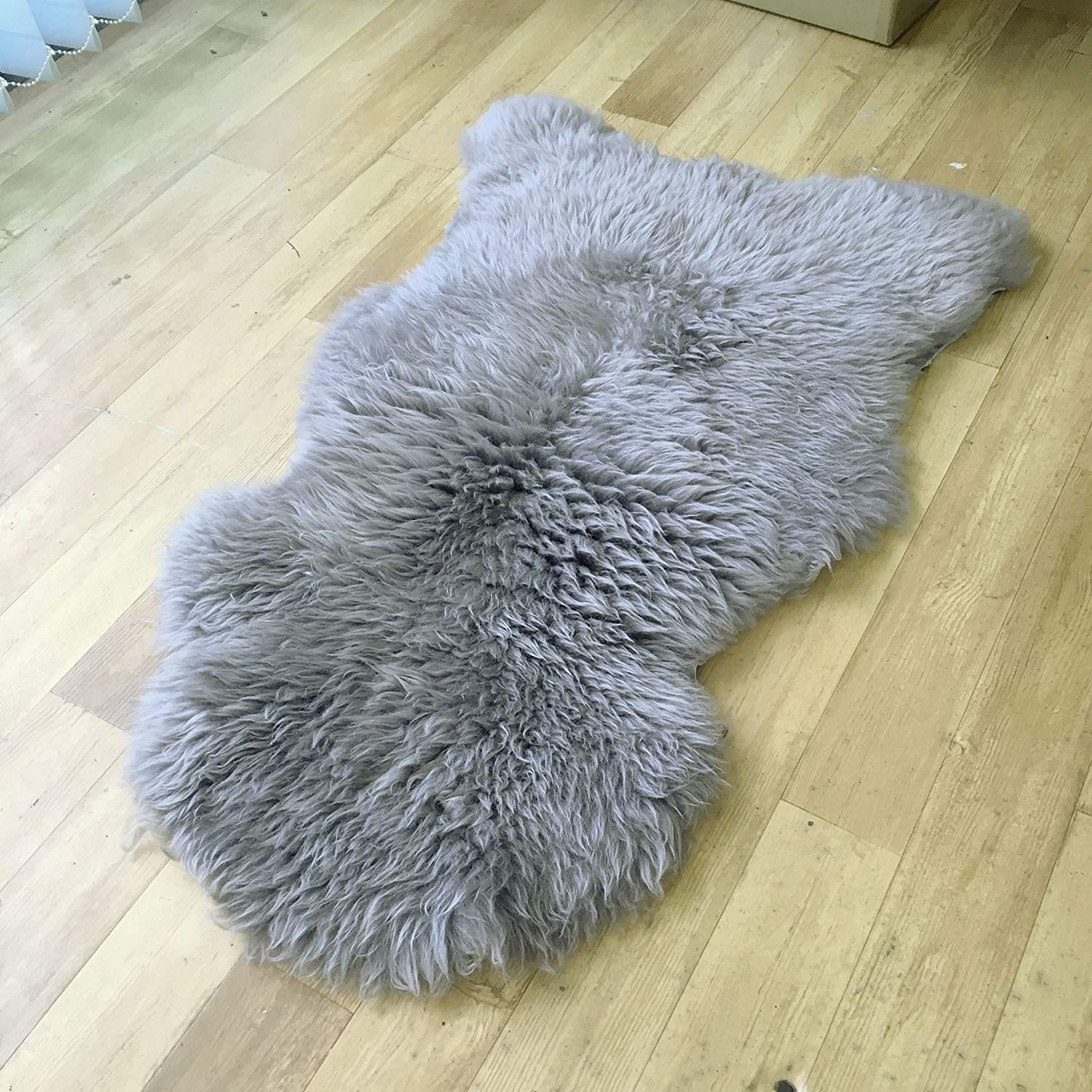 Genuine Australian Sheepskin Rug Grey Single pelt 2 x 3 ft Gray Sheepskin Fur Artistic Embellishment TM