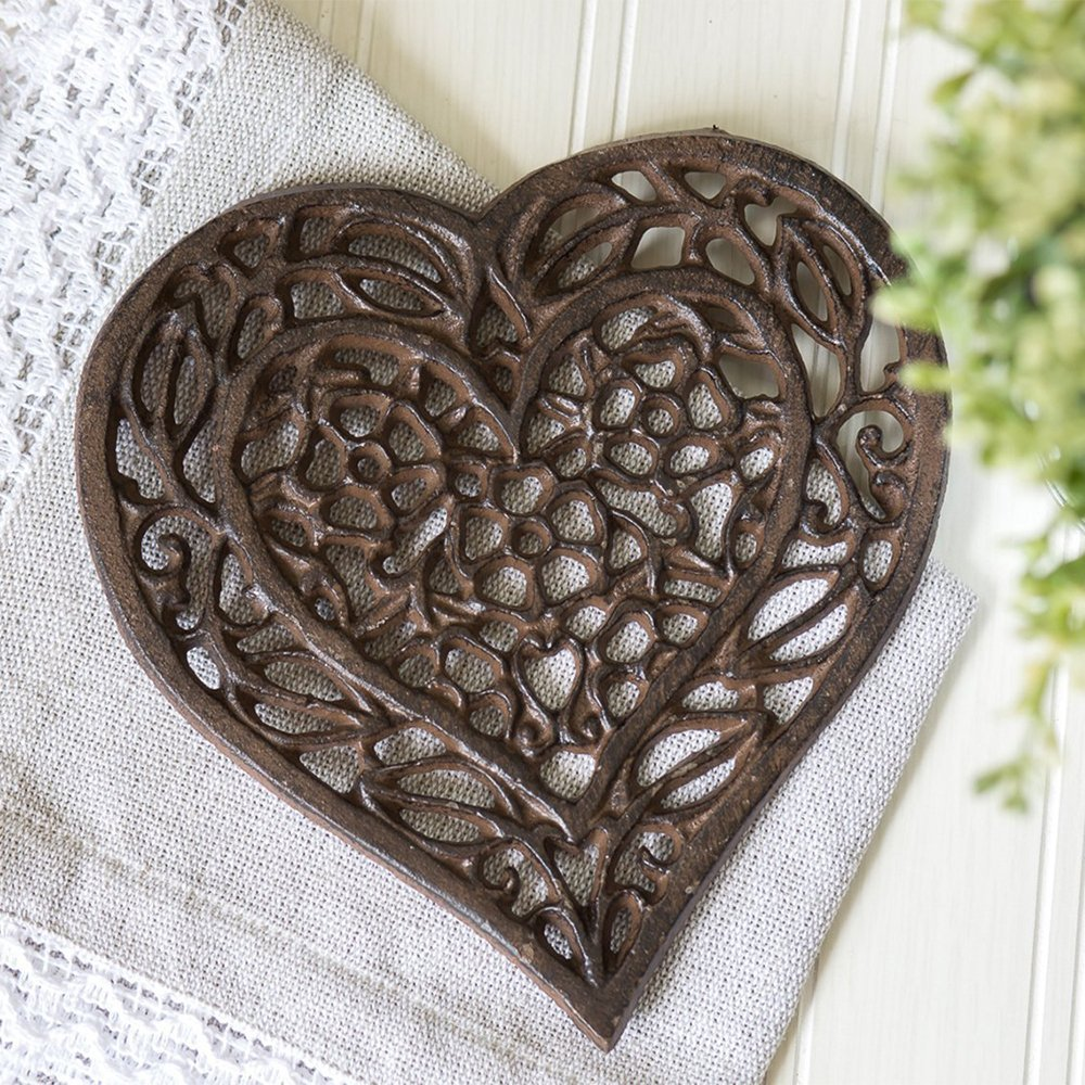 Cast iron kitchen trivet tea pot stand metal hot dish tray cookware - Amazon Com Cast Iron Heart Trivet Decorative Cast Iron Trivet For Kitchen Or Dining Table Vintage Design 6 75x6 5 With Rubber Pegs Feet Recycled