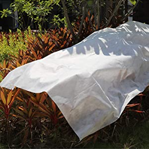 ZAILHWK Plant Covers Freeze Protection,6.56ft x 32.8ft Reusable Floating Row Cover Garden Winterize Cover for Winter Frost Protection
