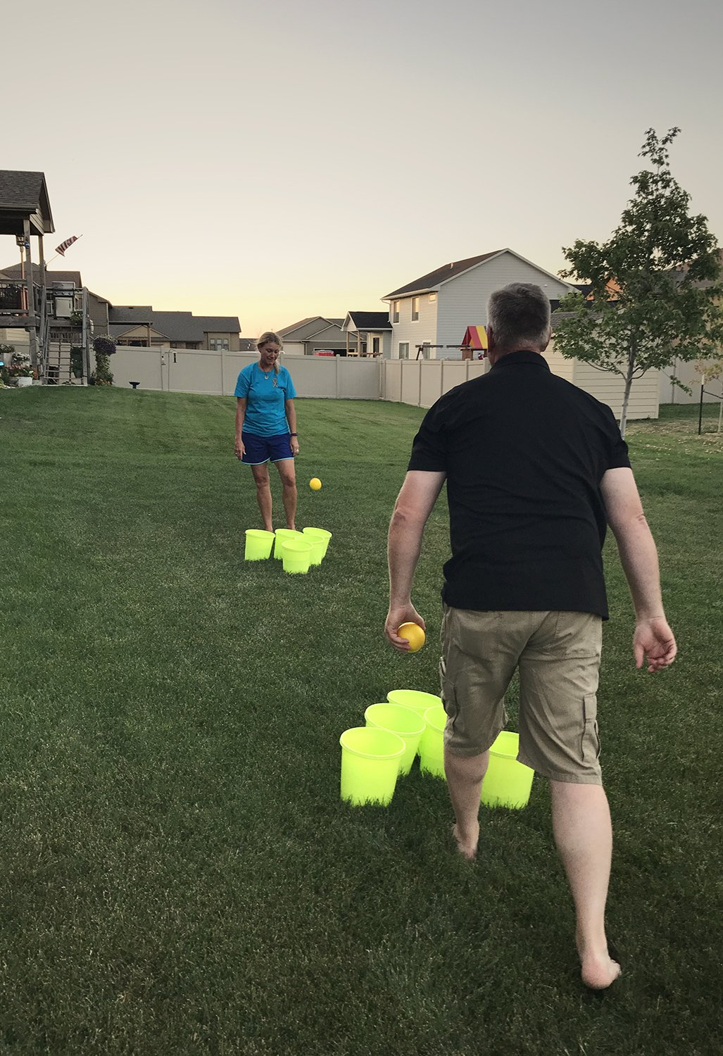 Get Out! Patio Pong – Giant Yard Beer Pong Set for Outdoor Fun – 12 Buckets, 2 Balls, 1 Drawstring Carrying Bag by Get Out! (Image #6)