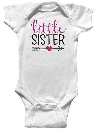 c86ece279 Amazon.com: Little Sister with Arrow Baby Bodysuit, Sister Shirt ...