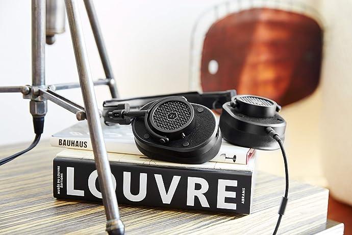 贝克汉姆同款 Master & Dynamic 动感大师 MH40 带麦 头戴式耳机 4折$159.3 两色可选 海淘转运到手约¥1218