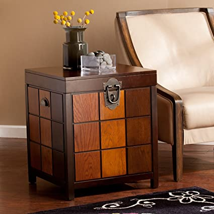 Etonnant Southern Enterprises Hendrick Trunk End Table