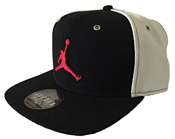 979f140555e3ad Image Unavailable. Image not available for. Colour  Nike Men s Air Jordan  Jumpman Taxi Edition Snapback Cap One Size Black White