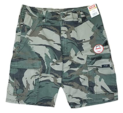 379d6543b6 Wrangler Green Camo Camouflage Relaxed Fit at Knee Flex Cargo Shorts - 30