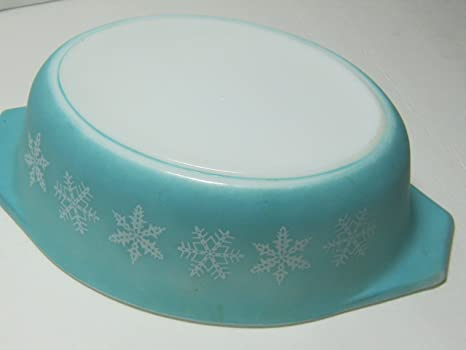 Vintage 2 12 Qt Casserole with Glass Lid 045 Turquoise Snowflake Pyrex White Casserole Dish White with Blue Snowflakes