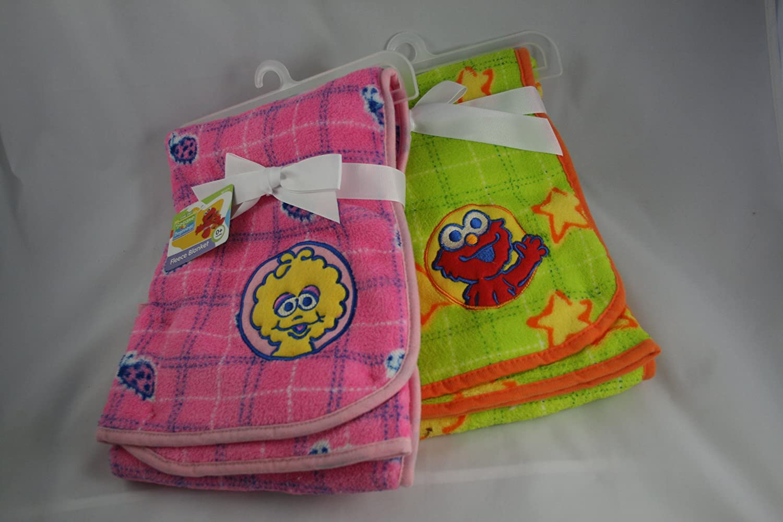 Amazon.com   Sesame Beginnings 30x30 Fleece Blanket (Bright Lime Green with  Elmo)   Nursery Blankets   Baby f9ac59f14