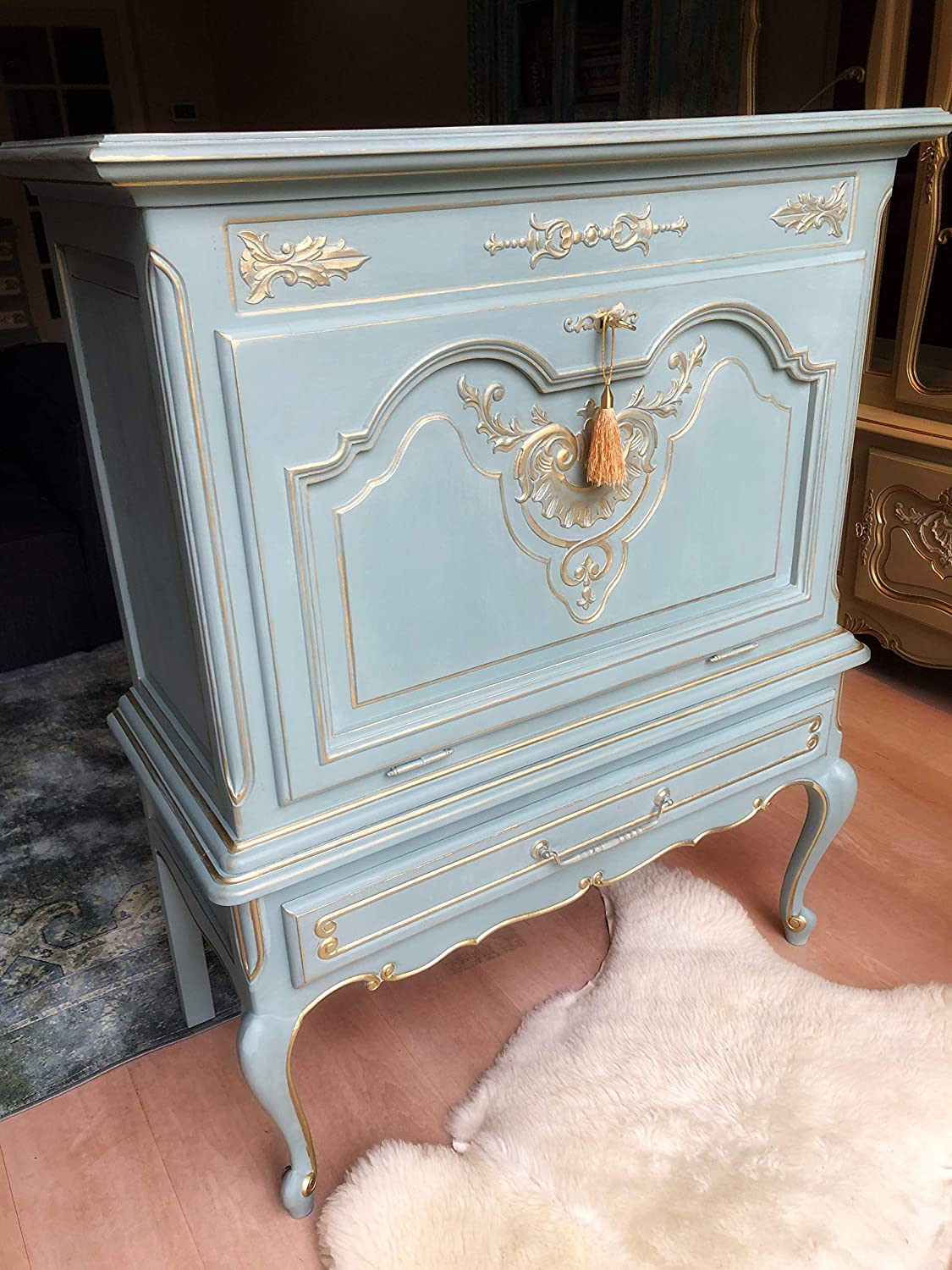 Generisch Vintage Louis XV Ornate Carved Hand Painted French Country Design Bar Cabinet Sidetable