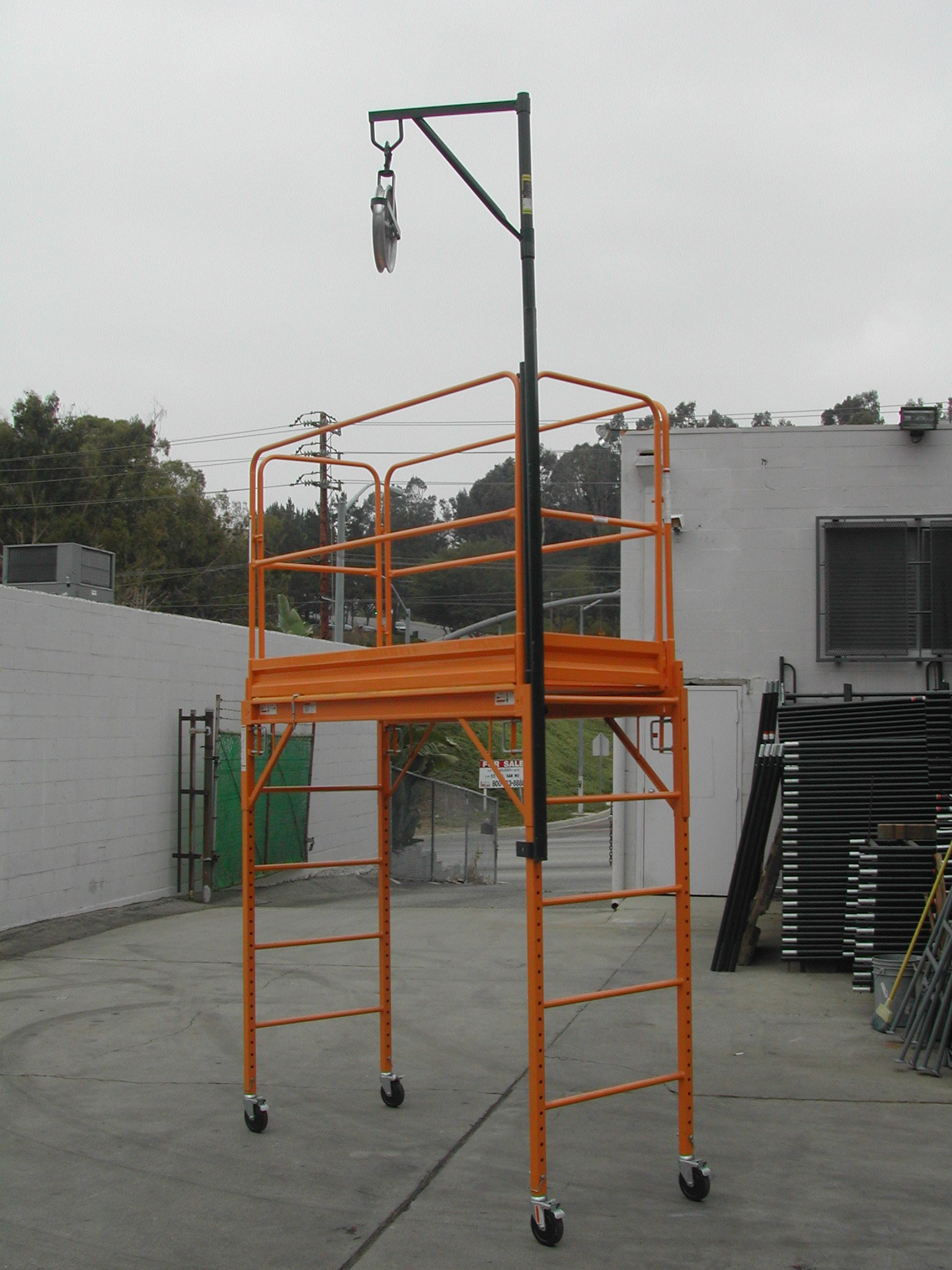 CBM Scaffold Hoist Pulley & 12'' Aluminum Pulley Wheel Set with Snap-On Hoist Bracket and Arm Lifting or Lowering Scaffolding