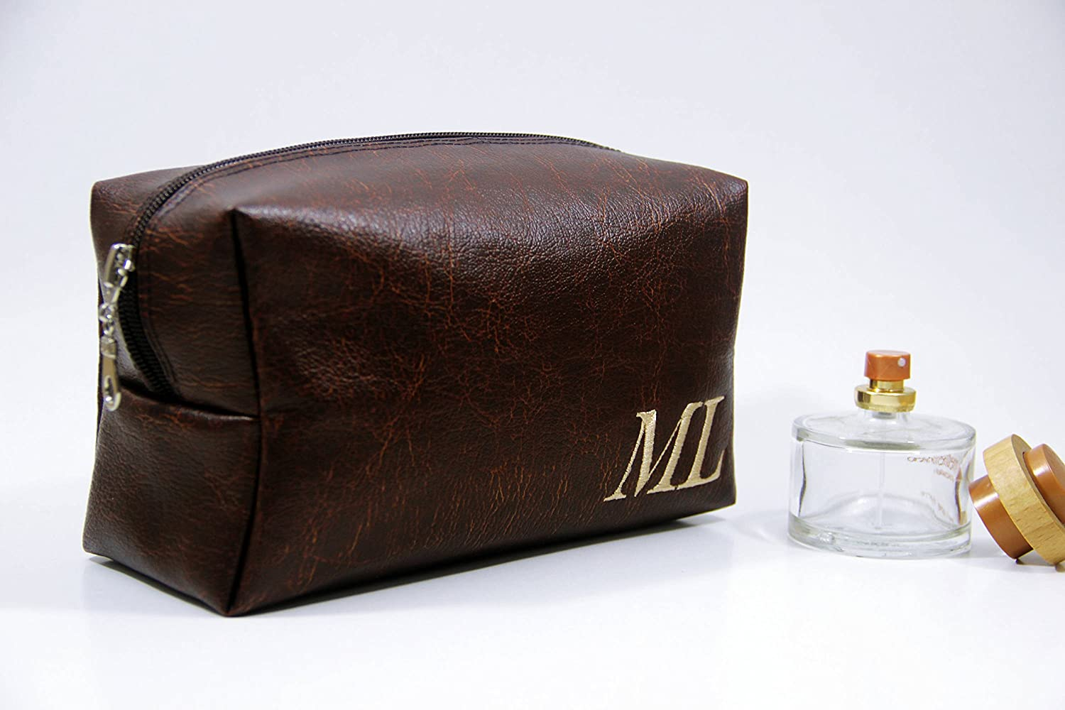 1c53fbd2c69e Amazon.com  Custom Men s Dopp Kit
