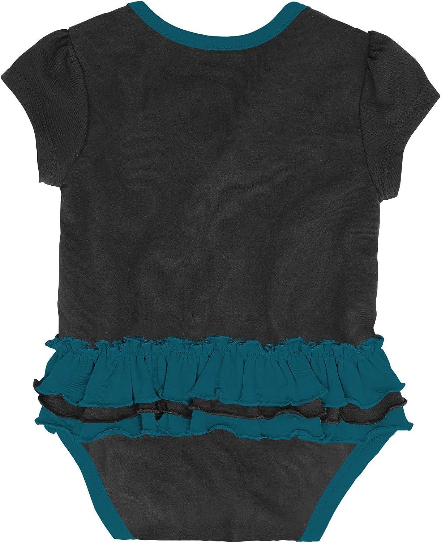 Bib Outerstuff NFL Baby-Girls Newborn /& Infant Mini Trifecta Bodysuit Bootie Set
