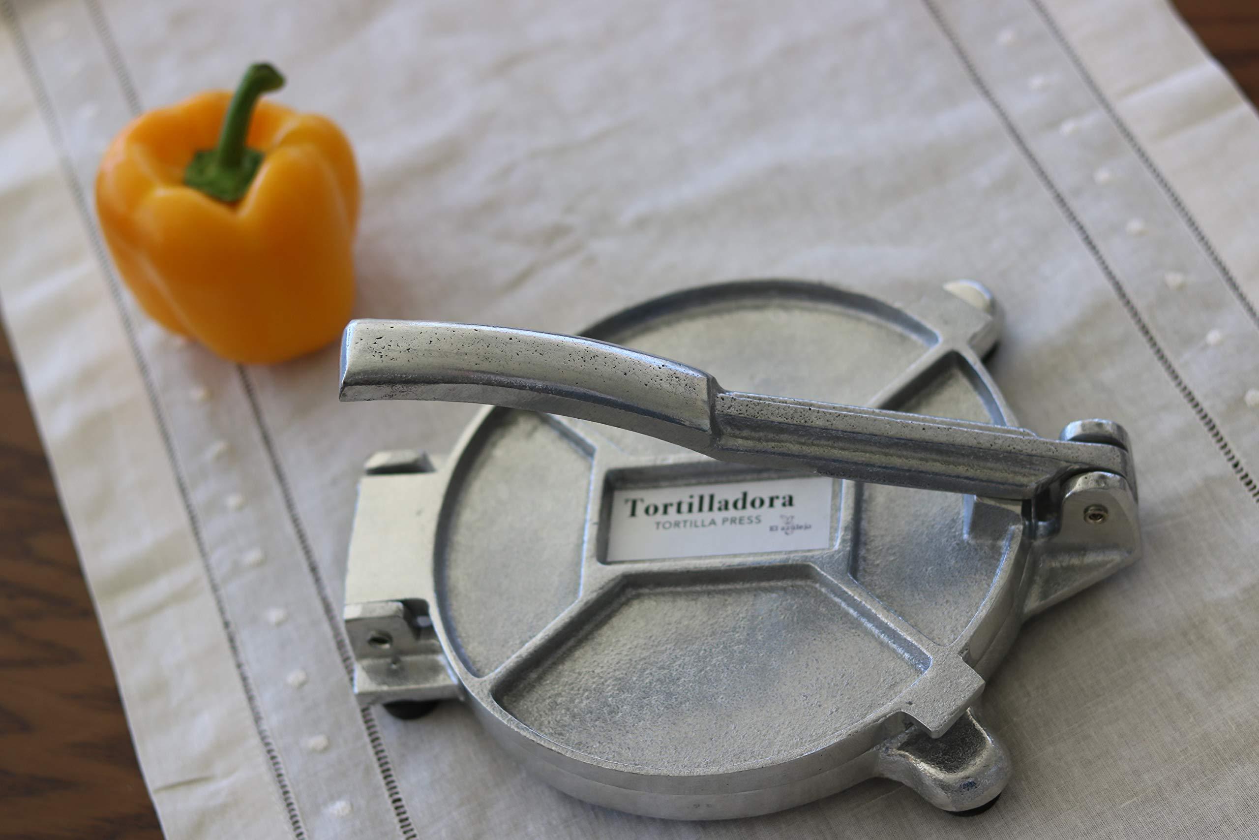 El azülejo - Corn Tortilla Press - Manual Pataconera - Flatbread Roti Pita Maker- 6 inch - Cast Aluminum - Non-stick - Made in Mexico