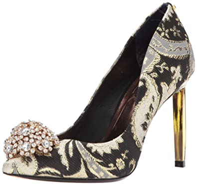 11366e3b7 Amazon.com  Ted Baker Women s Peetch Pump  Shoes