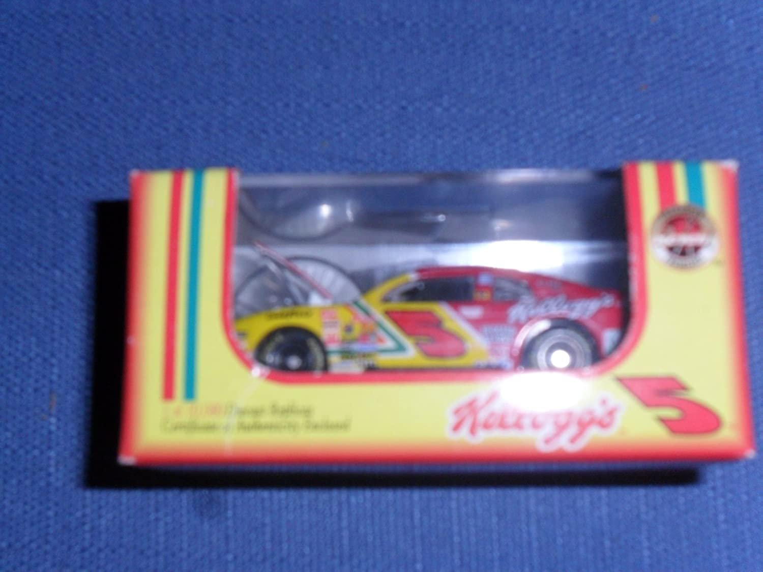 Terry Labonte #5 Kelloggs Corn Flakes Chevy Monte Carlo 1//64 Diecast 1998 NASCAR Revell Collection Limited Edition 1 of 10,080 Hood Opens Certificate of Authenticity Enclosed