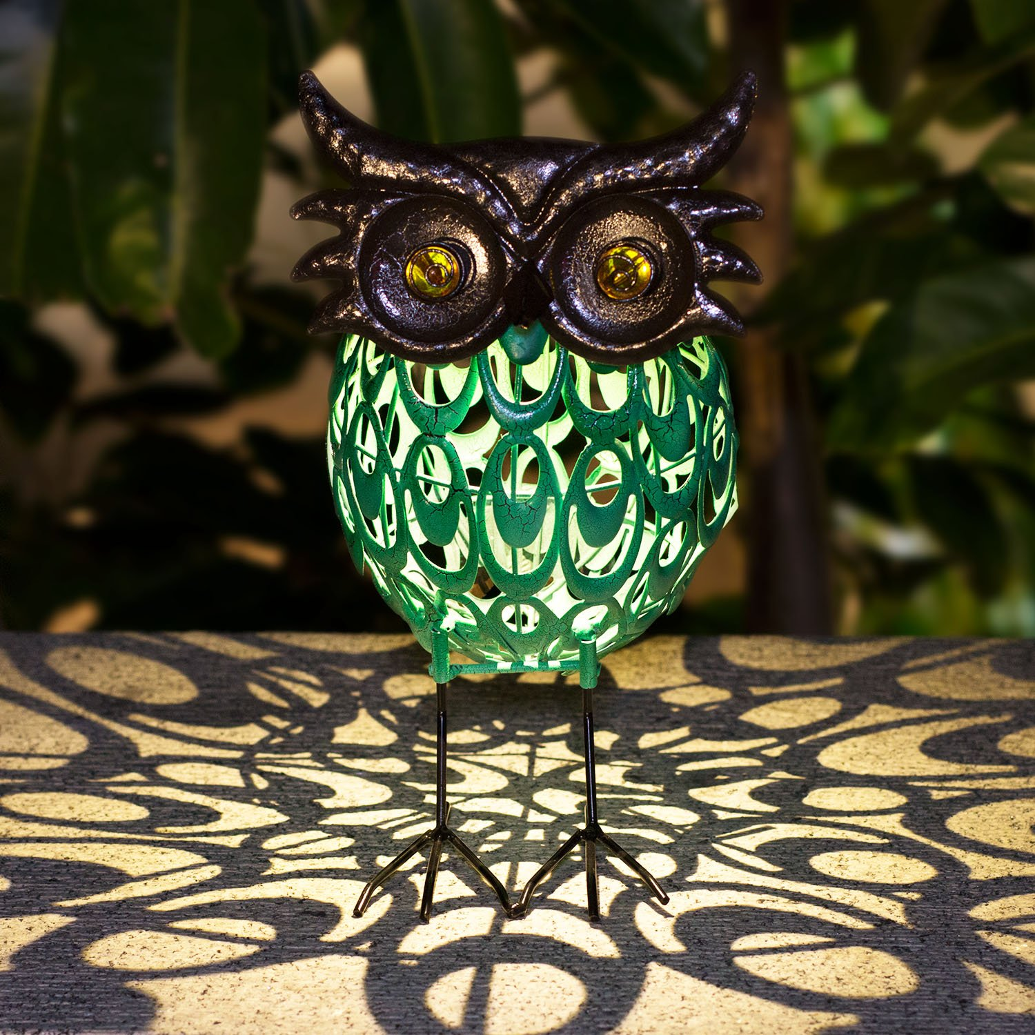 TAKEME Solar Lights Statue Outdoor Decor,Cute Owl Solar Light Figurines Decorative Metal Warm White LED Decorative Lights for Patio,Lawn,Party