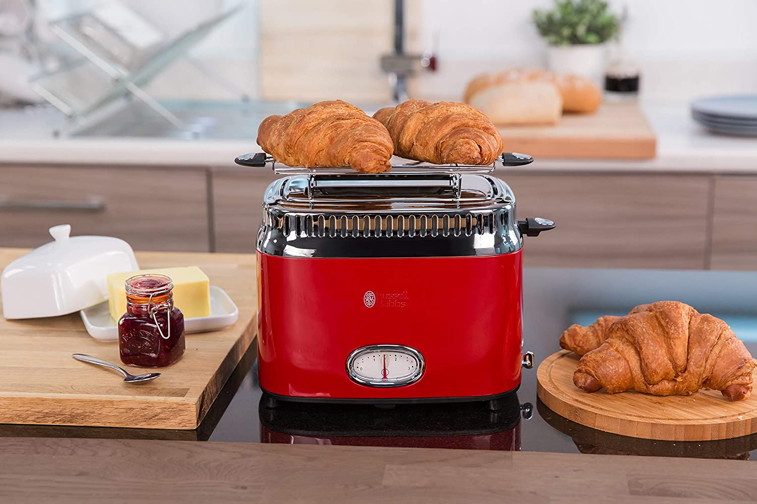 retro toaster in rot