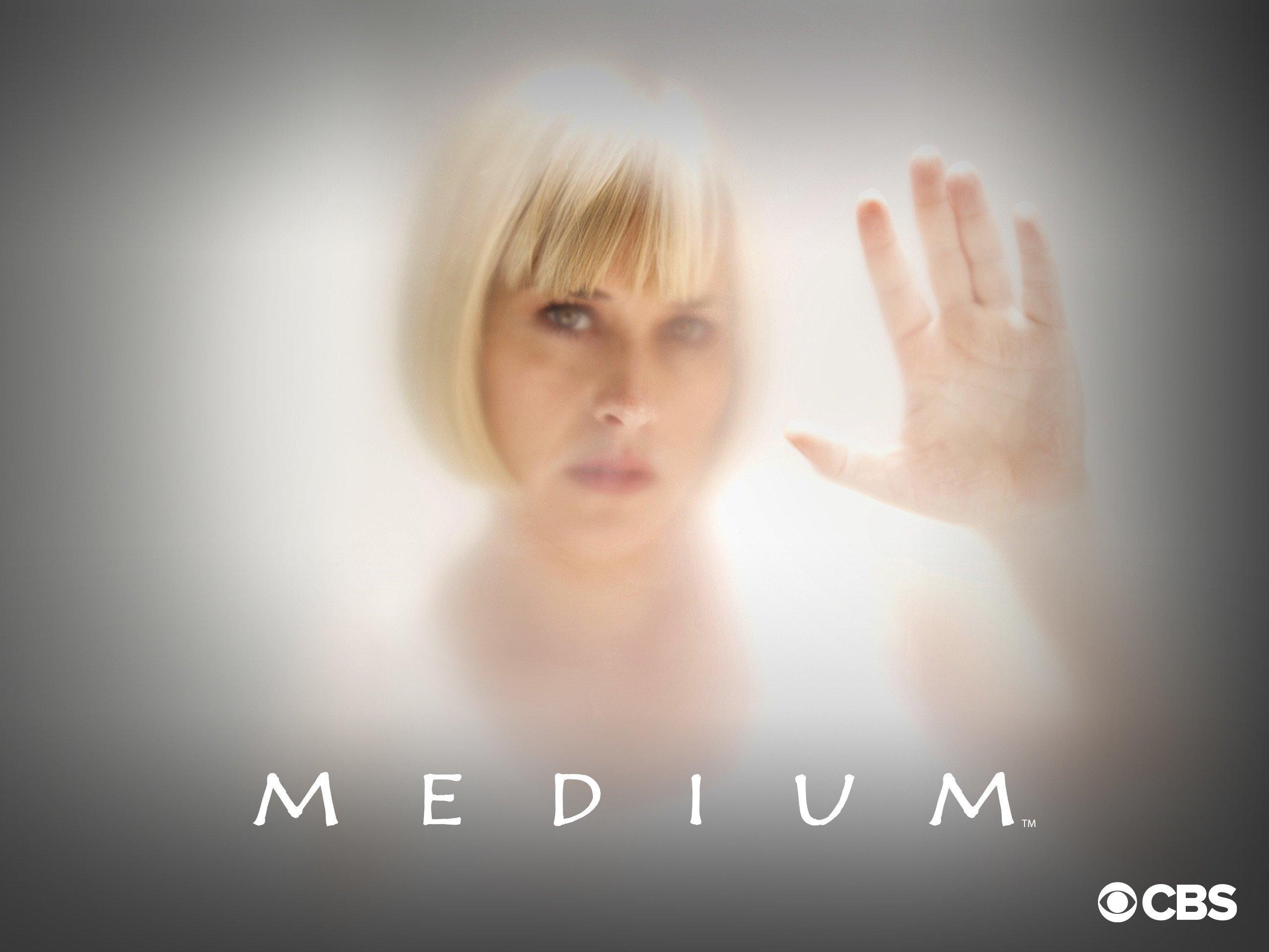 3240797ab98 Amazon.com  Watch Medium Season 1