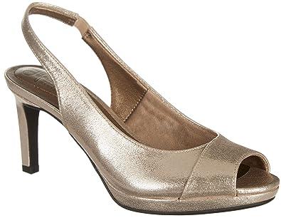 LifeStride Womens Invest Heels 6 Gold sparkle