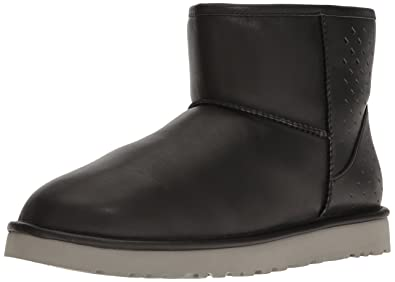 UGG Men's Classic Mini Gradient Perf Winter Boot, Black, ...