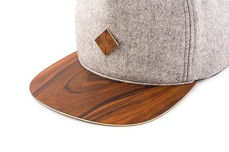 55169c8f70f Amazon.com  AUSTRA WEAR Snapback hat with PAU Ferro Wood Brim  Clothing