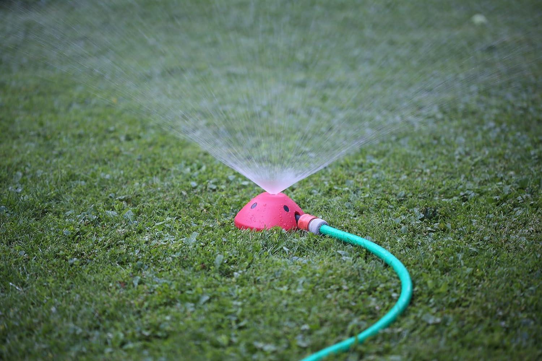Regner Rasensprenger f/ür Kinder Rasensprenkler zur Garten Bew/ässerung mit Gardena Anschluss Gartensprinkler Gelb Rasen Sprenger