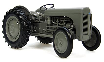 1/16th Massey Ferguson TEA-20 The Little Grey Tractor