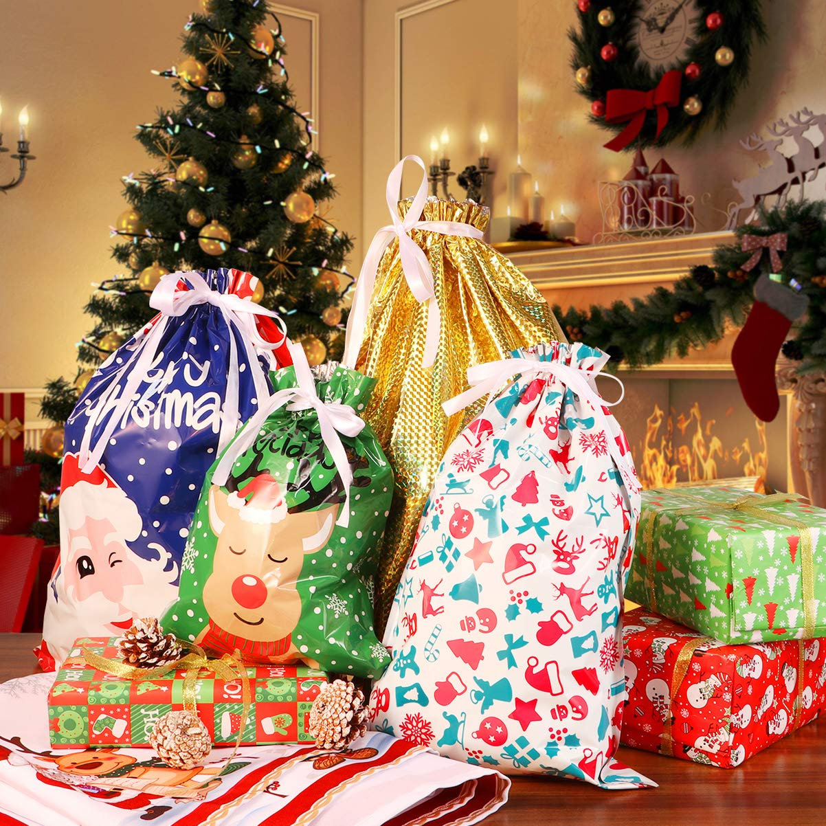 BESTOYARD Christmas Drawstring Gift Bags Goodie Bags Assorted Christmas Prints Treat Gift Bags for Christmas Party Favors Decoration Holiday Favour Drawstring