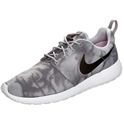 19f62523e2a Image Unavailable. Image not available for. Color  RosheRun Print grey   black  white 655206 001 ...