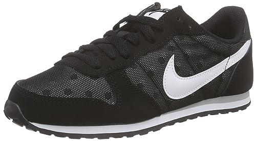 100% authentic ddd9a 0f01c Nike Wmns Genicco Print, Zapatillas de Deporte para Mujer, Negro  (Black/White-Wolf Grey), 42 EU: Amazon.es: Zapatos y complementos