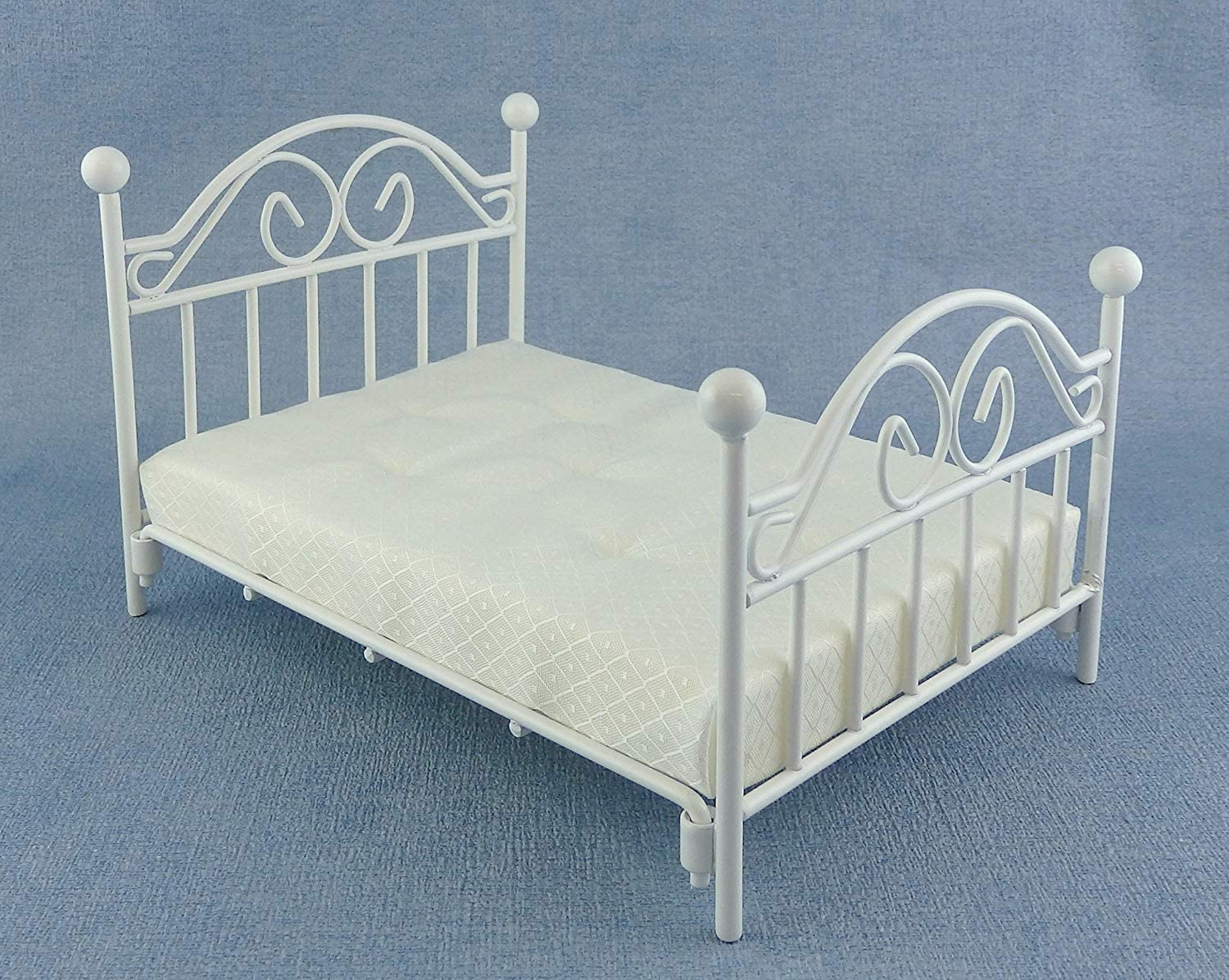 1//12 scale doll house wooden double  bed..more colours!!
