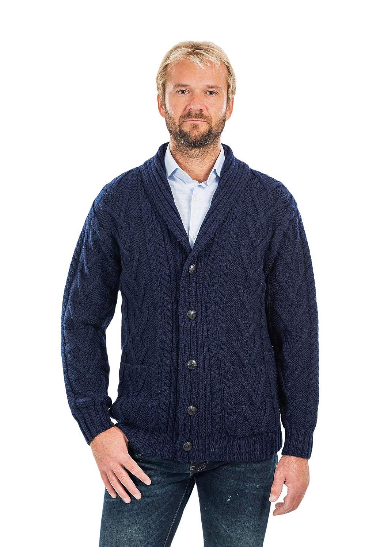 Amazon.com: Aran Cable Shawl-Collar Cardigan para hombre ...
