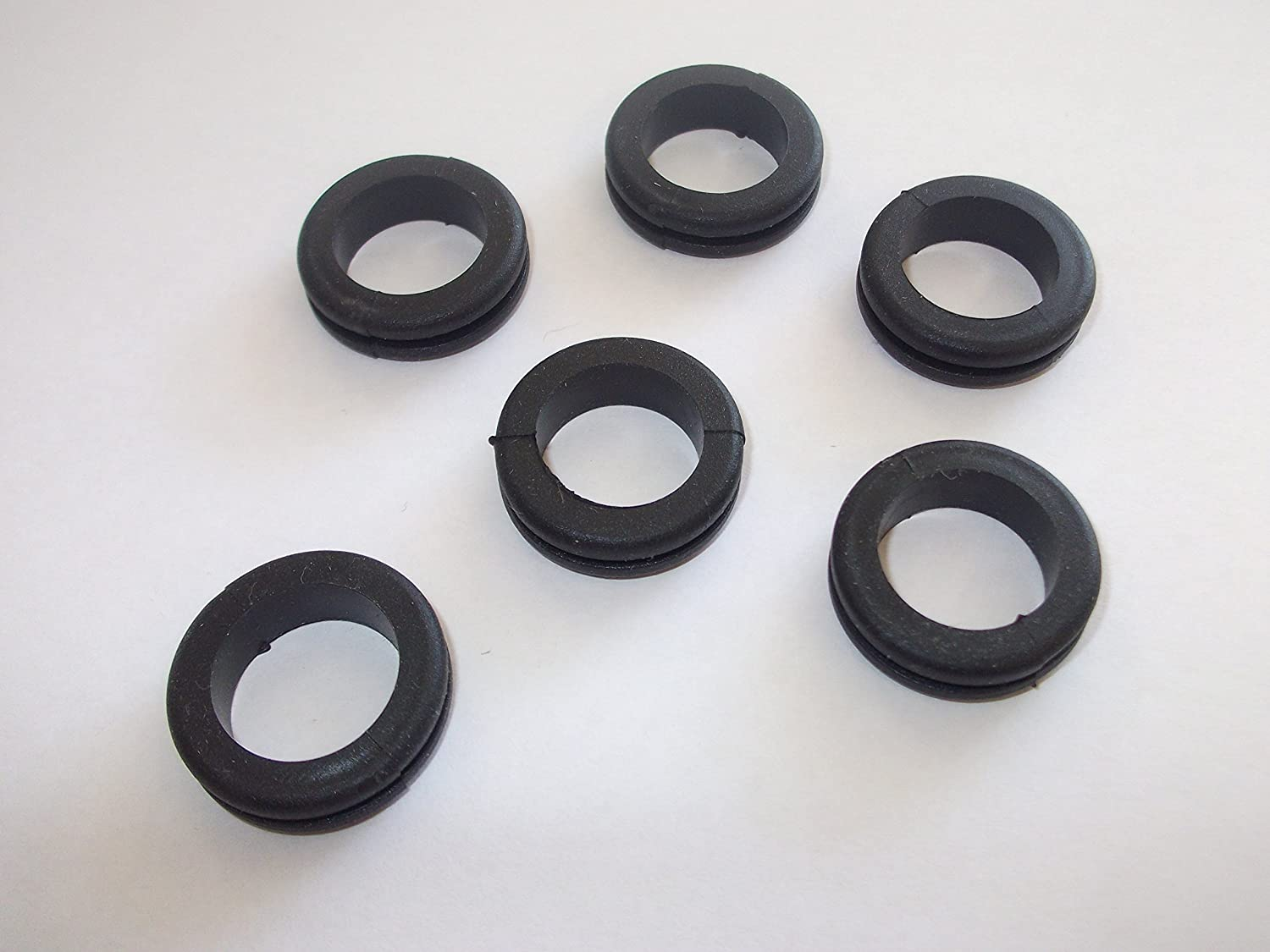 Innovo 12 x 9mm Open Wiring Grommets Rubber Hole Open Wire Cable Rubber Black