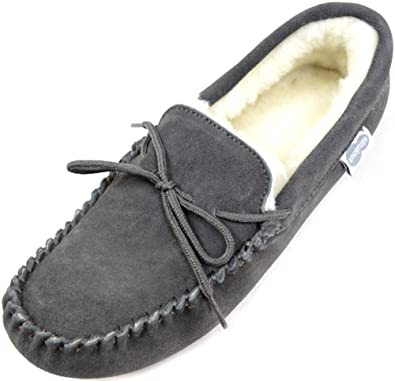 831fb03385f SNUGRUGS Men s Suede Sheepskin Moccasin Slippers with Soft Sole (9 ...