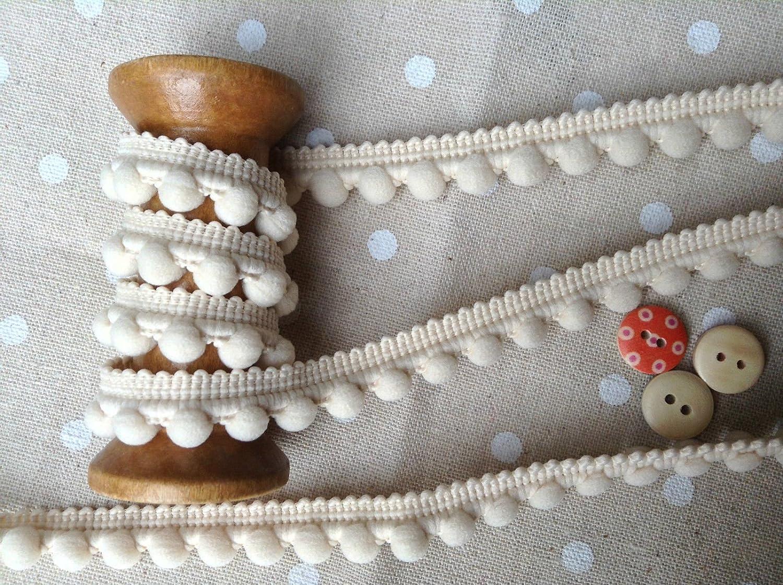 HomeBuy Passamaneria con pompon, finiture di ottima qualità, dimensioni 10 mm (mini) x 1 m, colore: osso