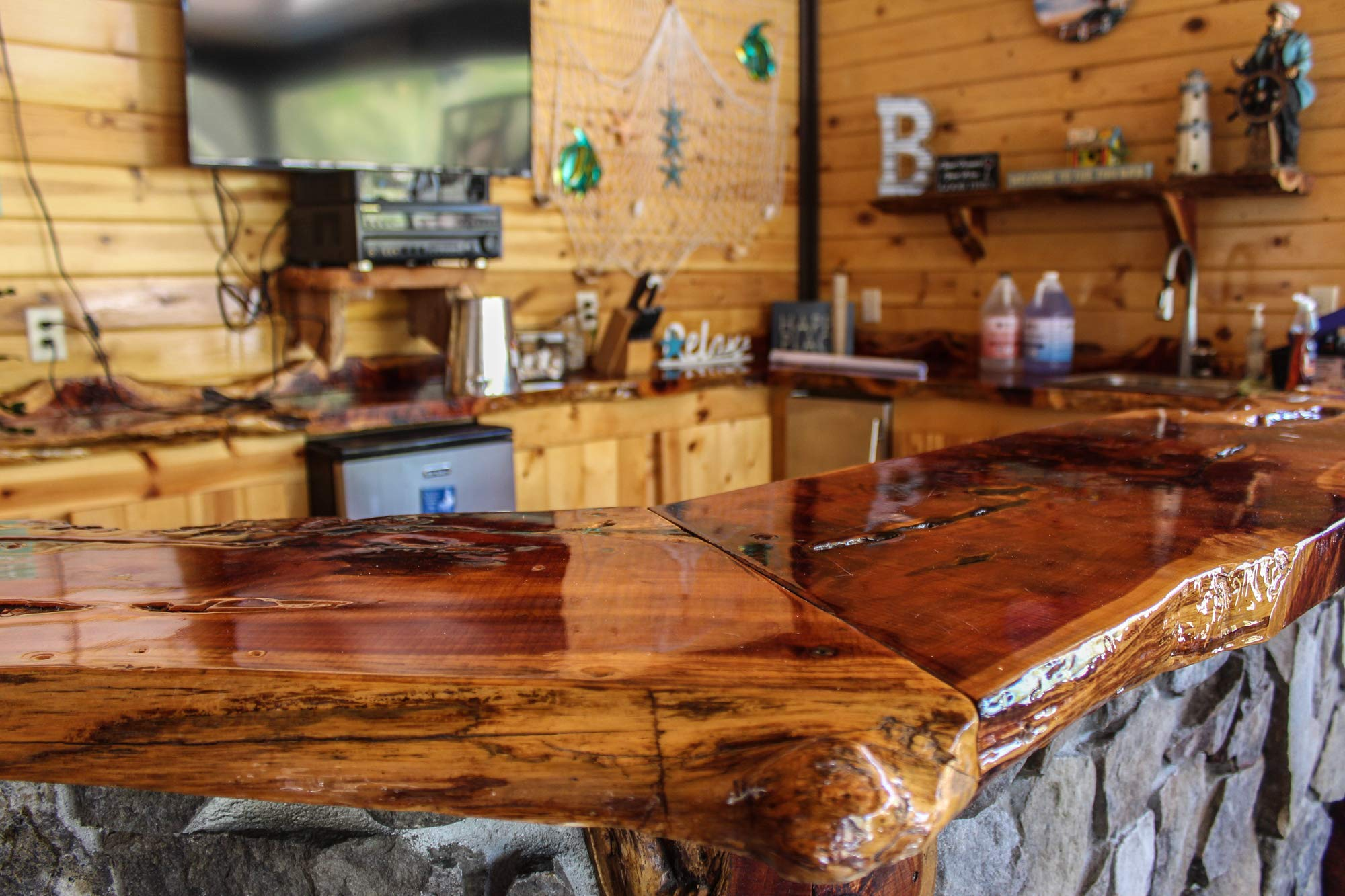 Table Top & Bar Top Epoxy Resin, Ultra Clear UV Resistant ...
