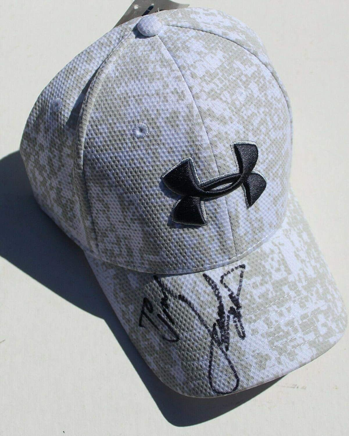 20060b83 Jordan Spieth Signed Under Armour White Golf Fitted Hat w/COA