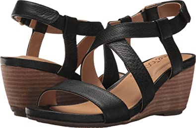 4706efd82f Amazon.com: Me Too Women's Payton: Shoes