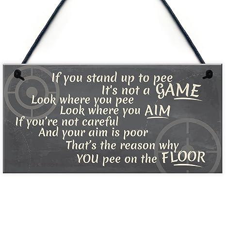 Amazon.com: Funny cartel de soporte de hasta para baño pee ...