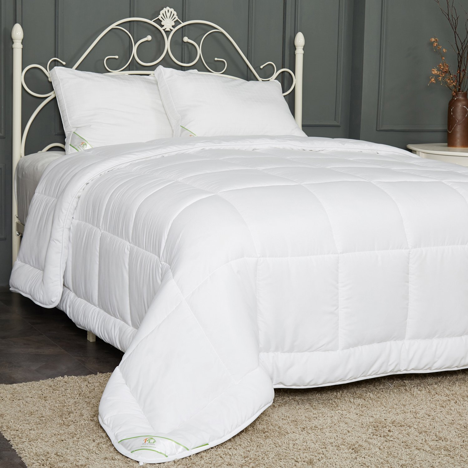 """DUO-V HOME Queen Size White Bed Comforter Down Alternative Duvet Insert with Corner Tabs, Plush Siliconized Fiberfill, Hypoallergenic, Warm, Soft for All Seasons(88""""x88"""")"""