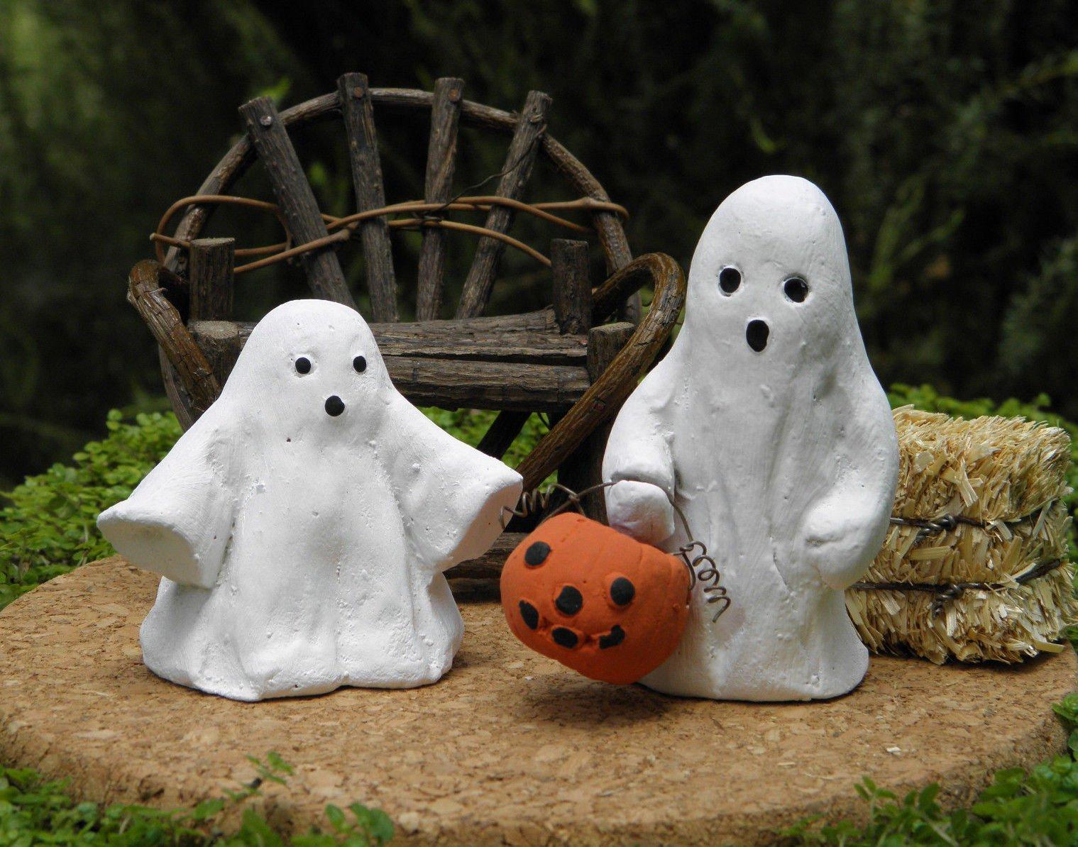 Miniature Dollhouse Fairy Garden Accessories Set Of 2 Rustic Halloween Ghosts