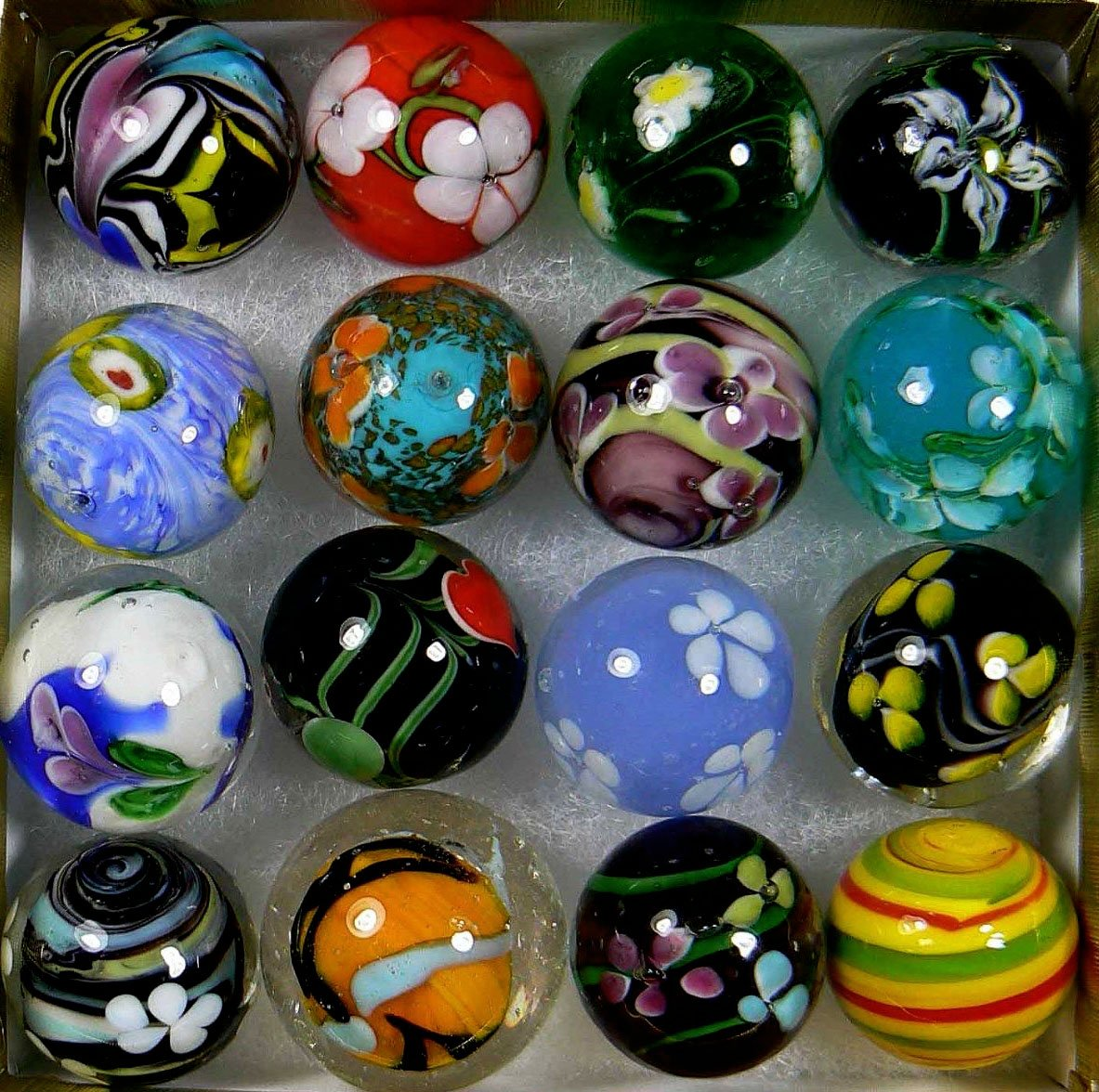 """Unique & Custom {7/8"""" Inch} Set of 16 Large """"Round"""" Opaque Marbles Made of Glass for Filling Vases, Games & Decor w/ Spiral Handmade Floral Design [Assorted Colors] w/ Shooter & Collectors Box"""