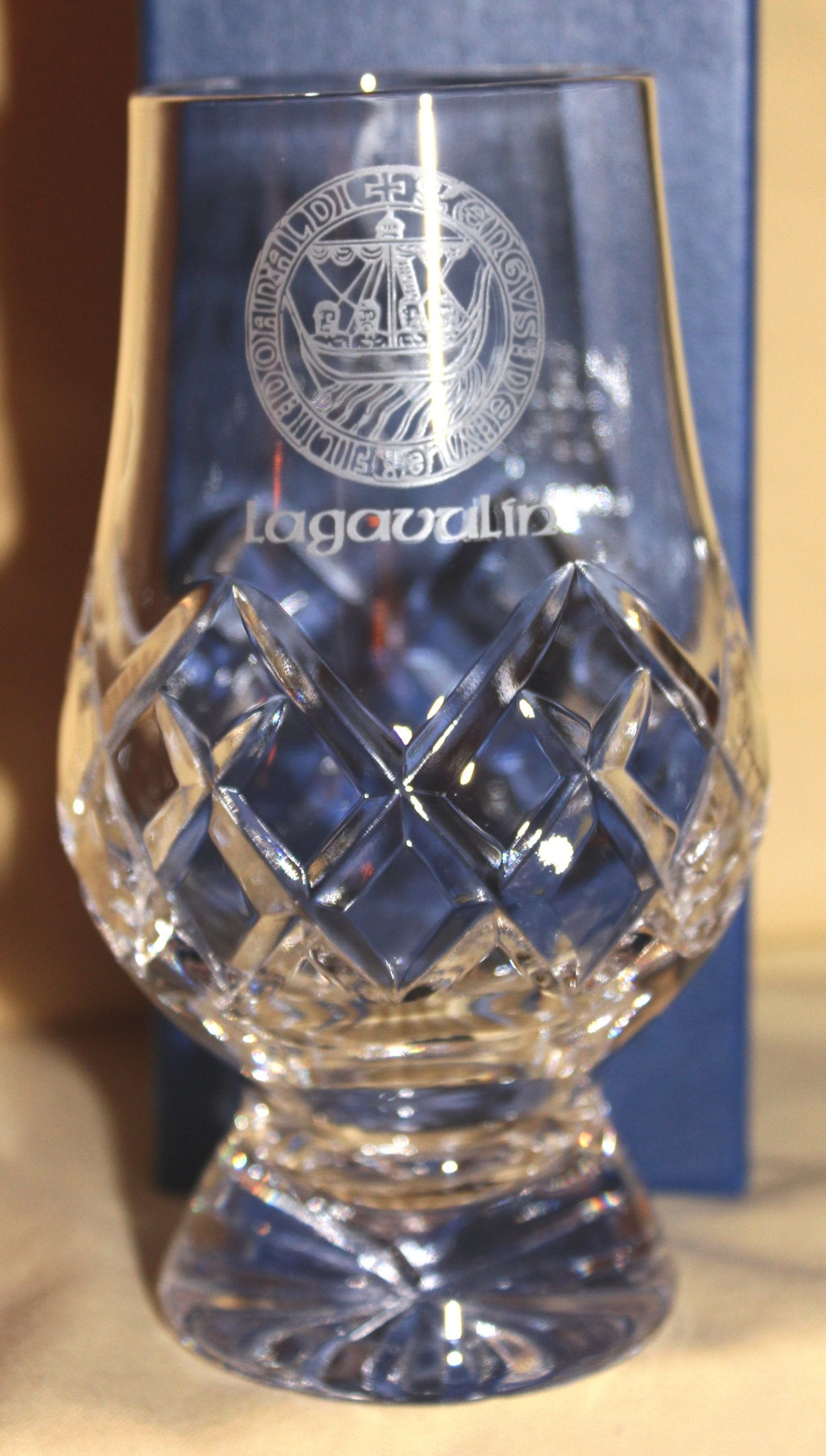 LAGAVULIN ISLAY CREST OFFICIAL GLENCAIRN CUT CRYSTAL SCOTCH MALT WHISKY TASTING GLASS