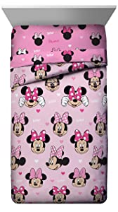 Jay Franco Disney Minnie Mouse Hearts N Love Full Comforter - Super Soft Kids Reversible Bedding - Fade Resistant Microfiber (Official Disney Product)